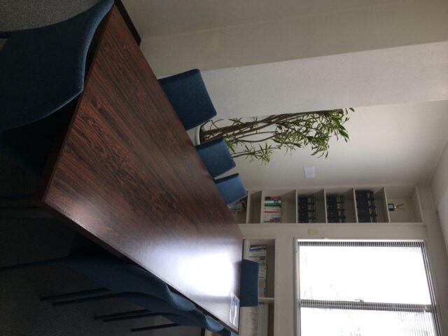 大会議室(8人)